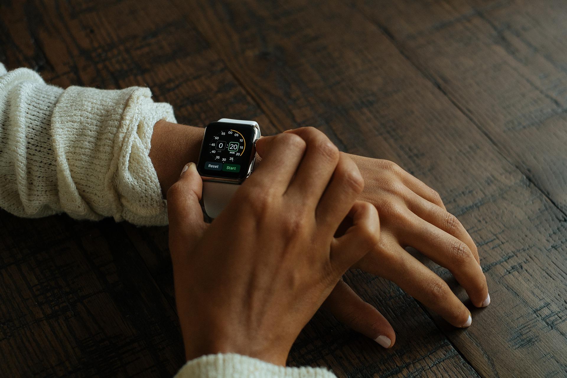 smart-watch features