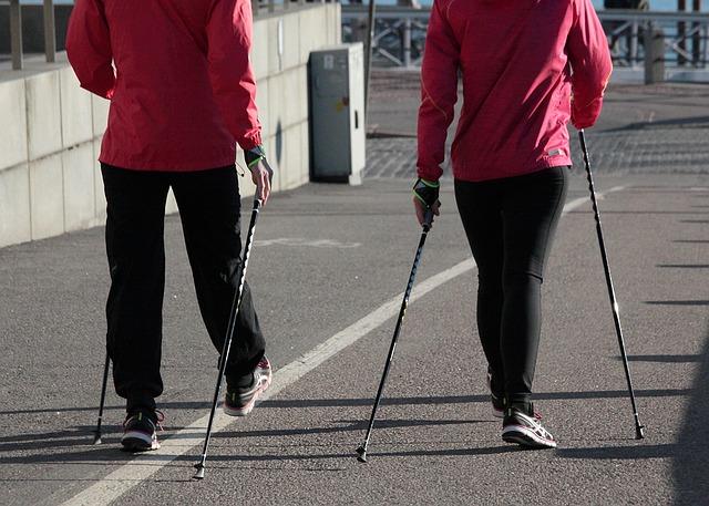 fitness-tracker-walking