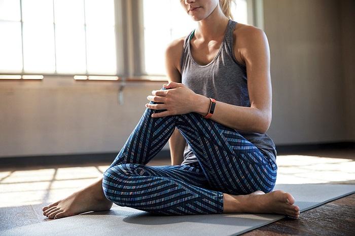 Best-Fitbit-HR-Activity-Tracker-For-Women