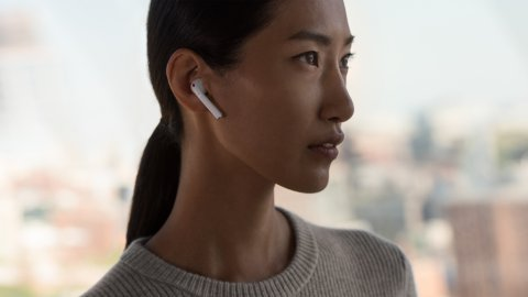 apple-wireless-airpods