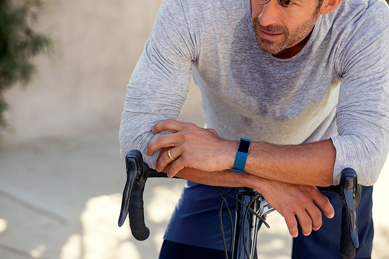 Fitbit-Charge-2-Heart-Rate-Activity-Tracker-cycling