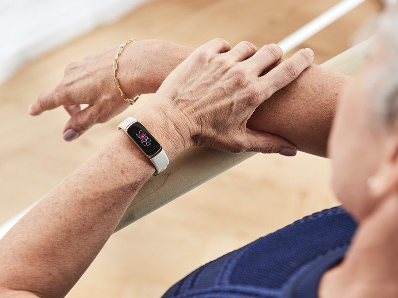 fitbit-luxe-no-gps